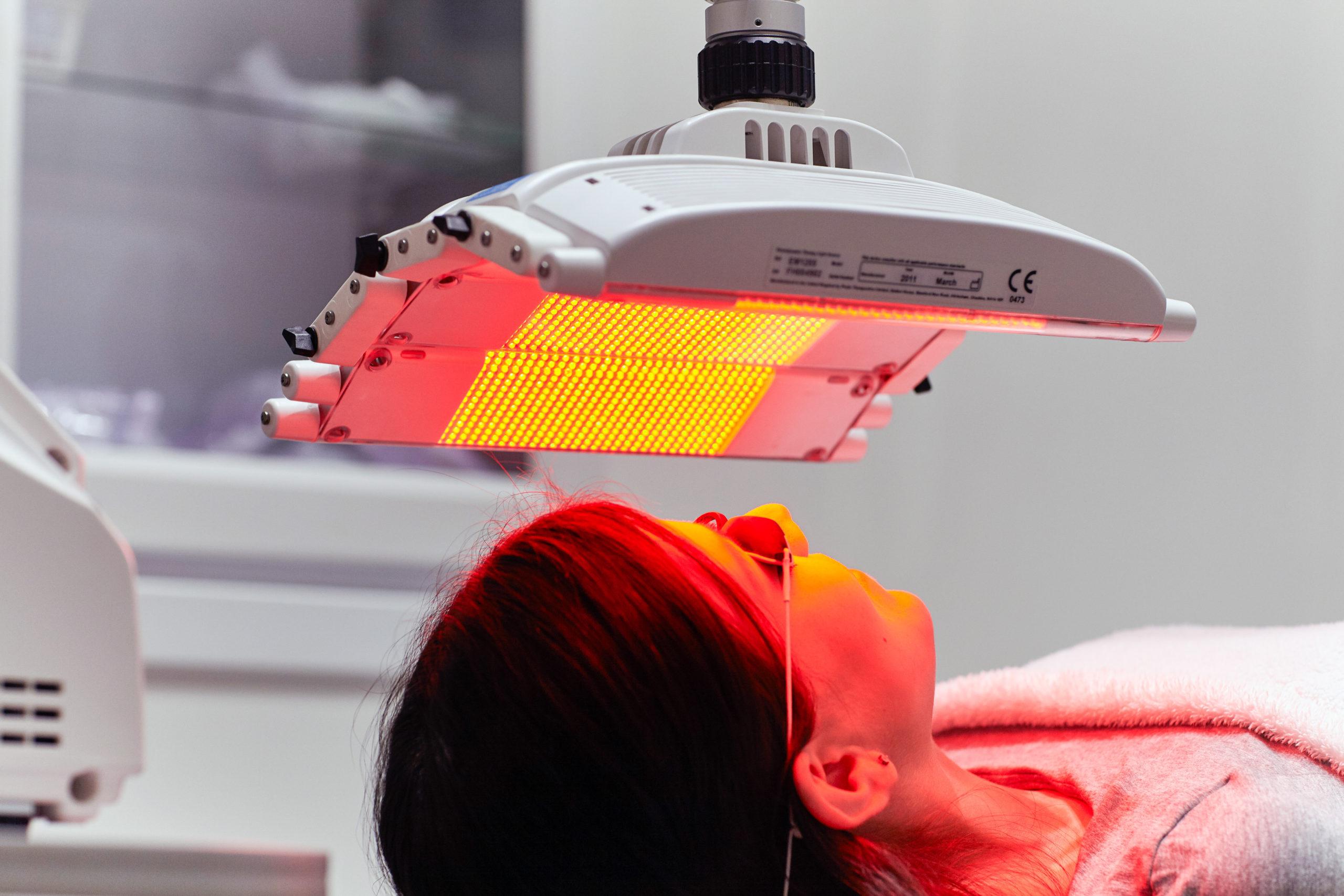 LED-valohoito ihon kiinteytykseen